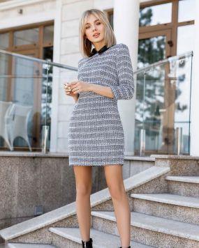 Сдержанное деловое платье
