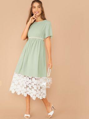 Платье с кружевным низом без пояса