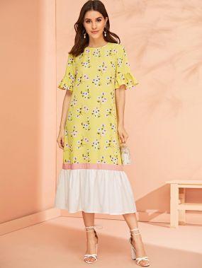 Контрастное платье с цветочным принтом