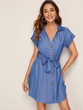 Джинсовое платье-рубашка с пуговицами и поясом