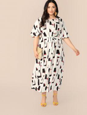 Длинное платье размера плюс с оригинальным рукавом и поясом