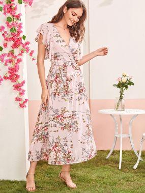 Платье с оригинальным рукавом, цветочным принтом и поясом