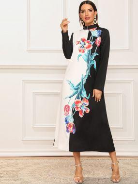 Контрастное платье с воротником-стойкой и цветочным принтом