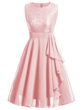 Простое платье и с кружевными оборками