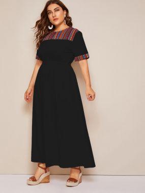 Платье размера плюс с жаккардовой вставкой