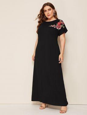 Длинное платье с цветочной вышивкой размера плюс