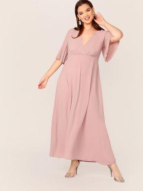 Длинное платье размера плюс с оригинальным рукавом