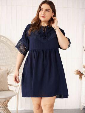 Платье размера плюс с кружевом и узлом