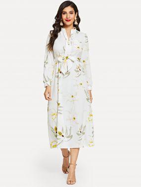 Длинное платье с завязкой на талией и цветочным принтом