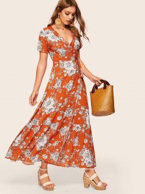 Платье на запах с цветочным принтом