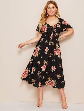 Приталенное расклешенное платье с цветочным принтом и узлом размера плюс