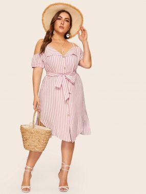 Платье-рубашка в полоску размера плюс с открытыми плечами
