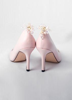 Светло-розовые туфли-лодочки на каблуках с брошью TBB009-05SH