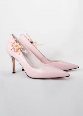 Светло-розовые туфли-лодочки на каблуках с брошью TBB009-16SH