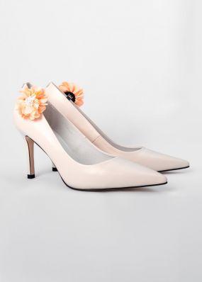 Светло-бежевые туфли на каблуке со съемной брошью TBB008-03SH