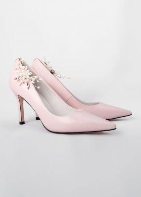 Светло-розовые туфли-лодочки на каблуках с брошью TBB009-11SH