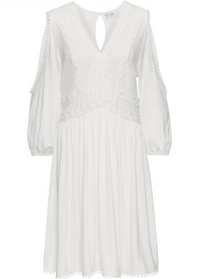 Платье из трикотажа с кружевной отделкой