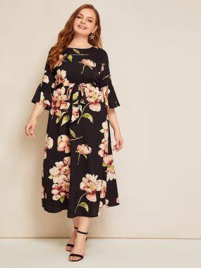 Платье с цветочным принтом, поясом и оригинальным рукавом размера плюс
