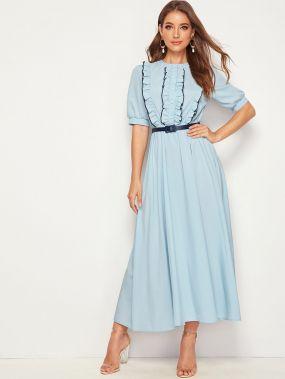 Платье с пышными рукавами и поясом