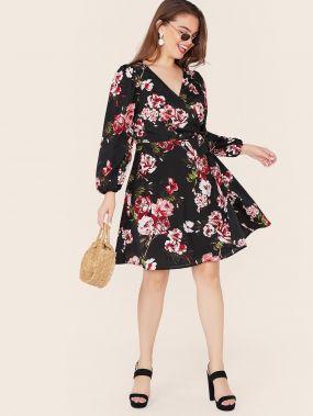 Платье с цветочным принтом, завязкой и глубоким V-образным вырезом размера плюс