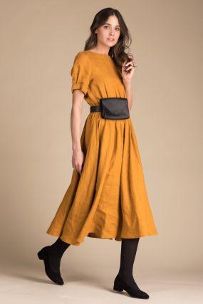 Платье Черешня изо льна горчичного цвета с открытой спиной (42-44)