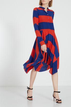 Платье в красно-синюю полоску