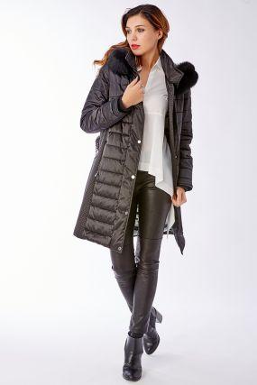 Женское прямое стеганое пальто с натуральным мехом