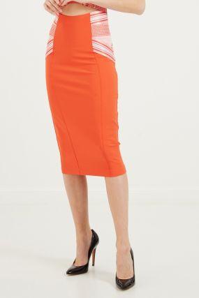 Красная юбка с контрастными вставками