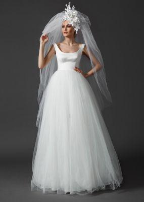 Пышное свадебное платье с бантом NS013