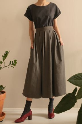 Платье ЧЕРЕШНЯ с пышной юбкой и поясом комбинированное хаки (WASHED OUT) (38-42)