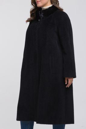 Классическое пальто из альпака с меховым воротником