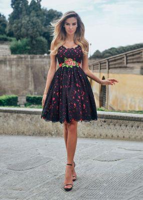 Вечернее платье из черного кружева TB080B