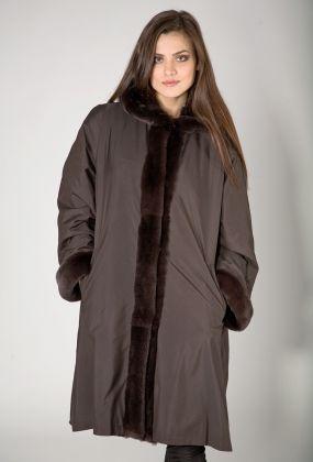 Расклешенное пальто на меху на большой размер