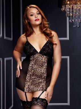 Черная сорочка Baci White Label с леопардовой вставкой и подвязками для чулок – Queen Size