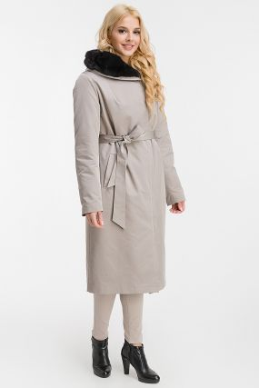 Женское пальто на меху для зимы с норкой на капюшоне