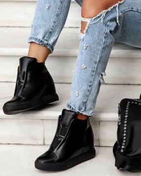 Демисезонные кроссовки-сникерсы