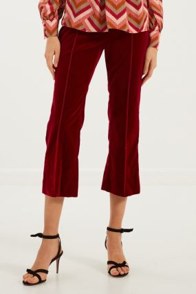 Красные бархатистые брюки