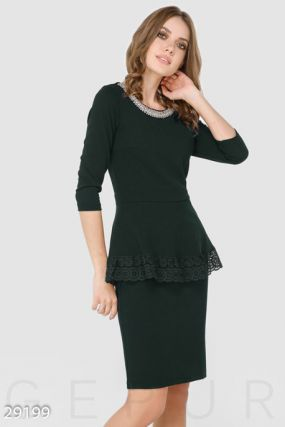 Деловое платье с декором
