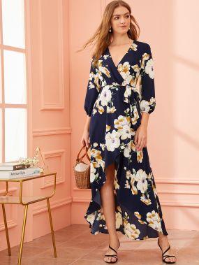 Асимметричное платье на запах с цветочным принтом и завязкой