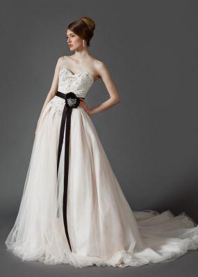 Свадебное платье с бюстье и фатой MJ164