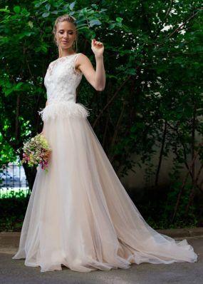 Свадебное платье с декором ZEL004