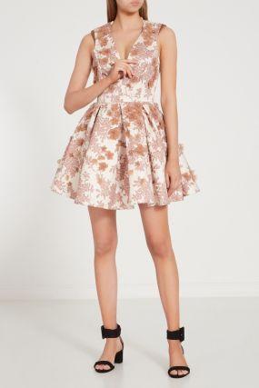 Бежевое платье с цветами