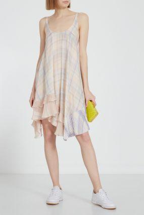 Шелковое платье с оборками