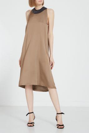 Длинное платье с контрастным поясом
