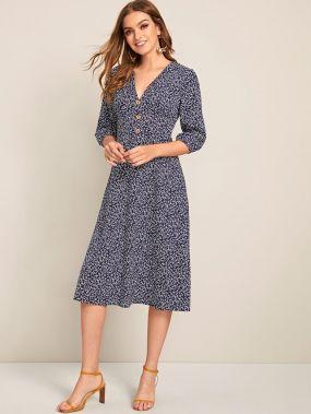 Платье с пуговицами и цветочным принтом